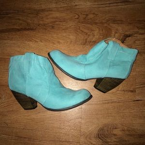Low cut boot